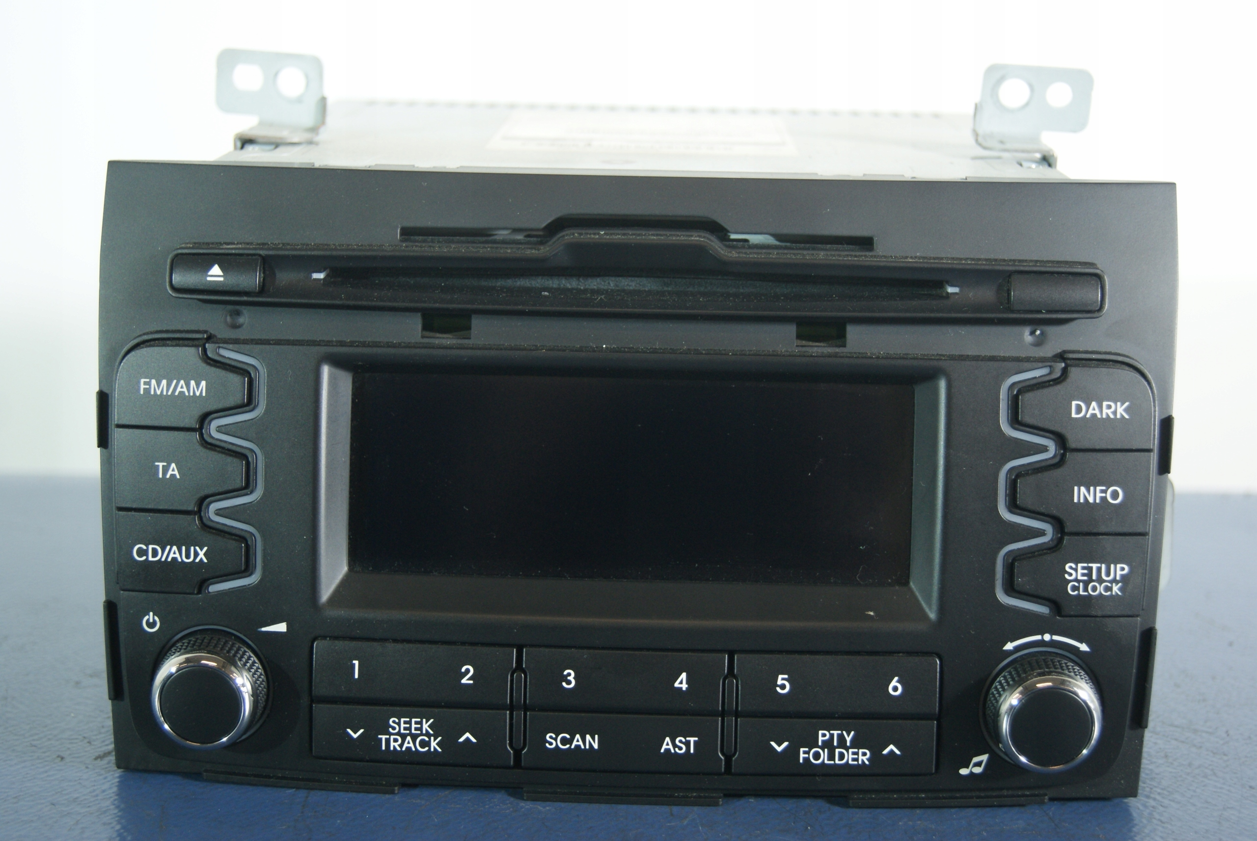 Kia Sportage  2010 Cd Head Unit Pinout Diagram